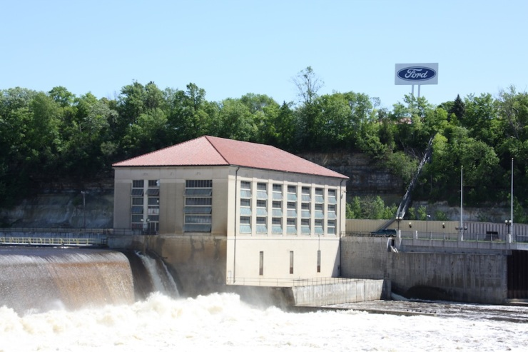 The Ford Hydro Plant at the Lock & Dam No. 1